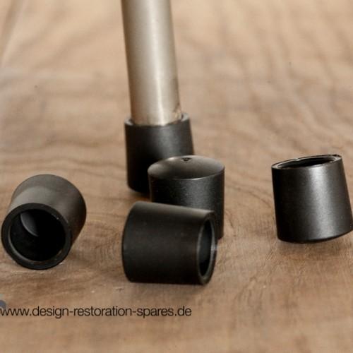 fritz-hansen-series-31xx-chair-glides-arne-jacobsen-1